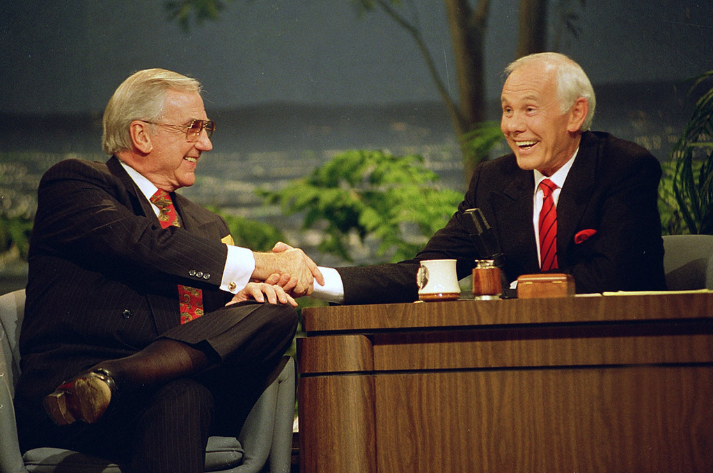 ". FILE - In this  May 22, 1992 file photo, Ed McMahon, left, shakes hands with talk show host Johnny Carson, during the final taping of the ""Tonight Show\"" in Burbank, Calif. McMahon has died at a Los Angeles hospital, according to his publicist. He was 86. (AP Photo/Douglas C. Pizac, File)"