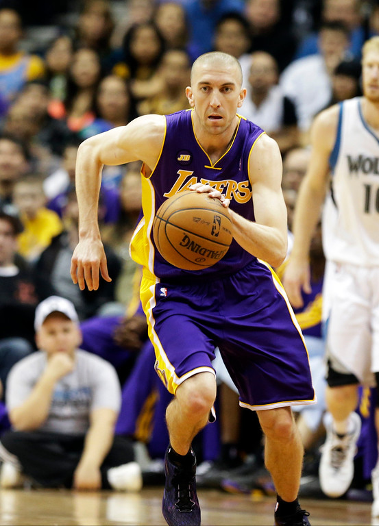 . Los Angeles Lakers\' Steve Blake is shown in the first quarter of an NBA basketball game against the Minnesota Timberwolves Wednesday, March 27, 2013 in Minneapolis. (AP Photo/Jim Mone)