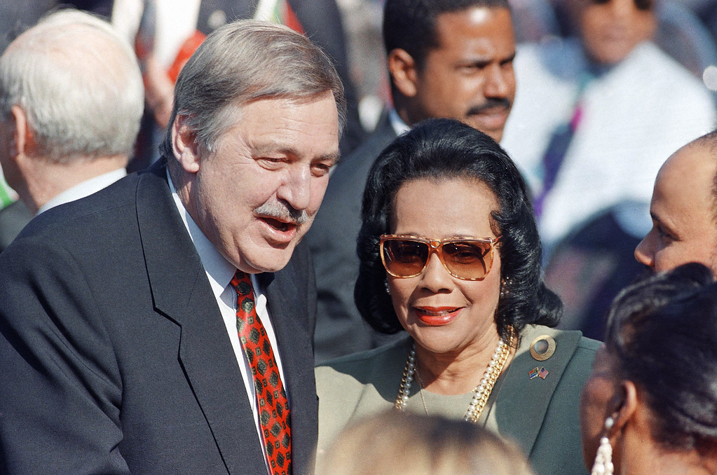 . Former South African Foreign Minister Pik Both, left, speaks with Coretta Scott King, Martin Luther King�s widow, shortly before the start of Presidential inauguration ceremonies in Pretoria  Tuesday, May 10, 1994. Nelson Mandela was later sworn in as South Africa�s first black President. (AP Photo/David Brauchli)