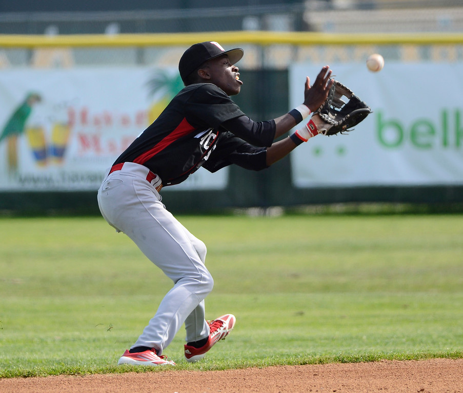 . Westchester shortstop Pernell Roberts Jr. makes a catch. Mira Costa defeated Westchester 2-1 at home in boy\'s baseball.  Photo by Brad Graverson 3-26-13