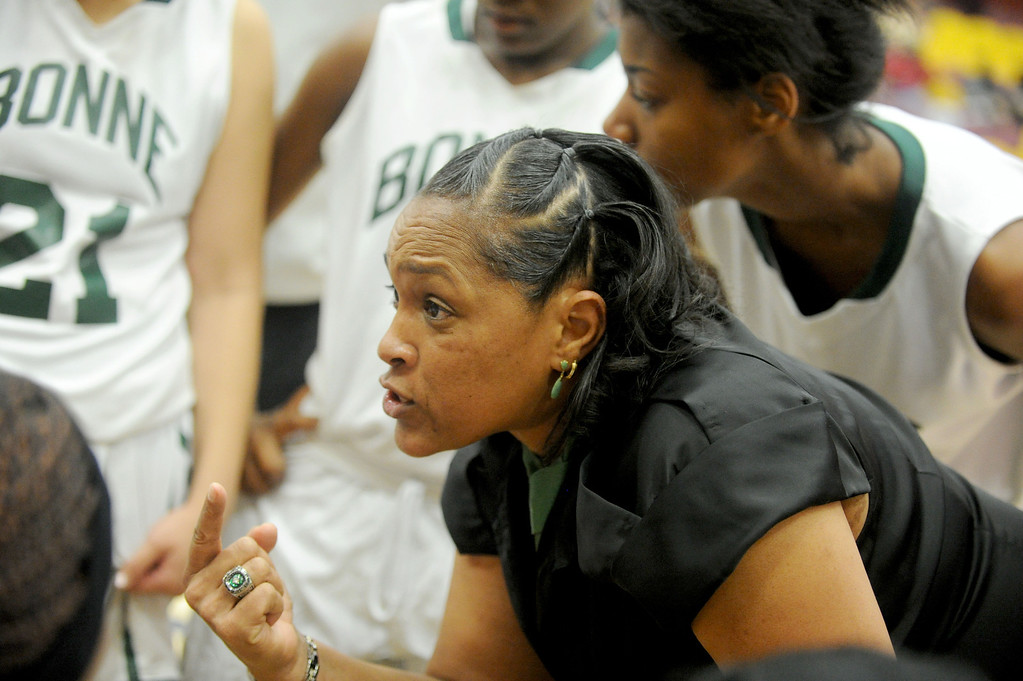 . 02-23-2012--(LANG Staff Photo by Sean Hiller)- Narbonne beat El Camino Real 47-39 in Saturday\'s L.A. City Section Division I semifinal girls basketball game. Narbonne Coach Victoria Sanders keeps her team focused.