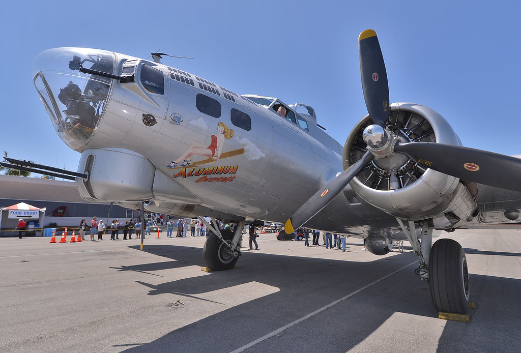 . 0426_NWS_TDB-L-FLIGHT--- Torrance, CALIFORNIA--4/25/13--- Staff Photo: Robert Casillas / LANG--- The B-17 Bomber Aluminum Overcast visits Torrance Airport for flights and public viewing this weekend.
