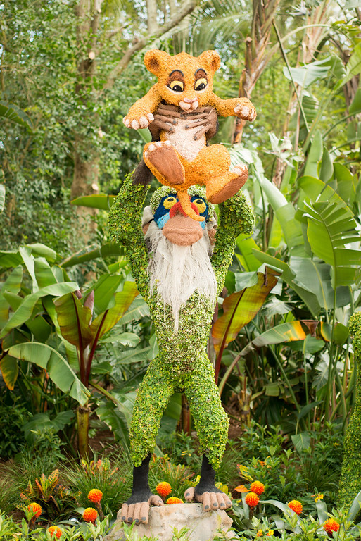 Rafiki and Simba Topiary at Epcot