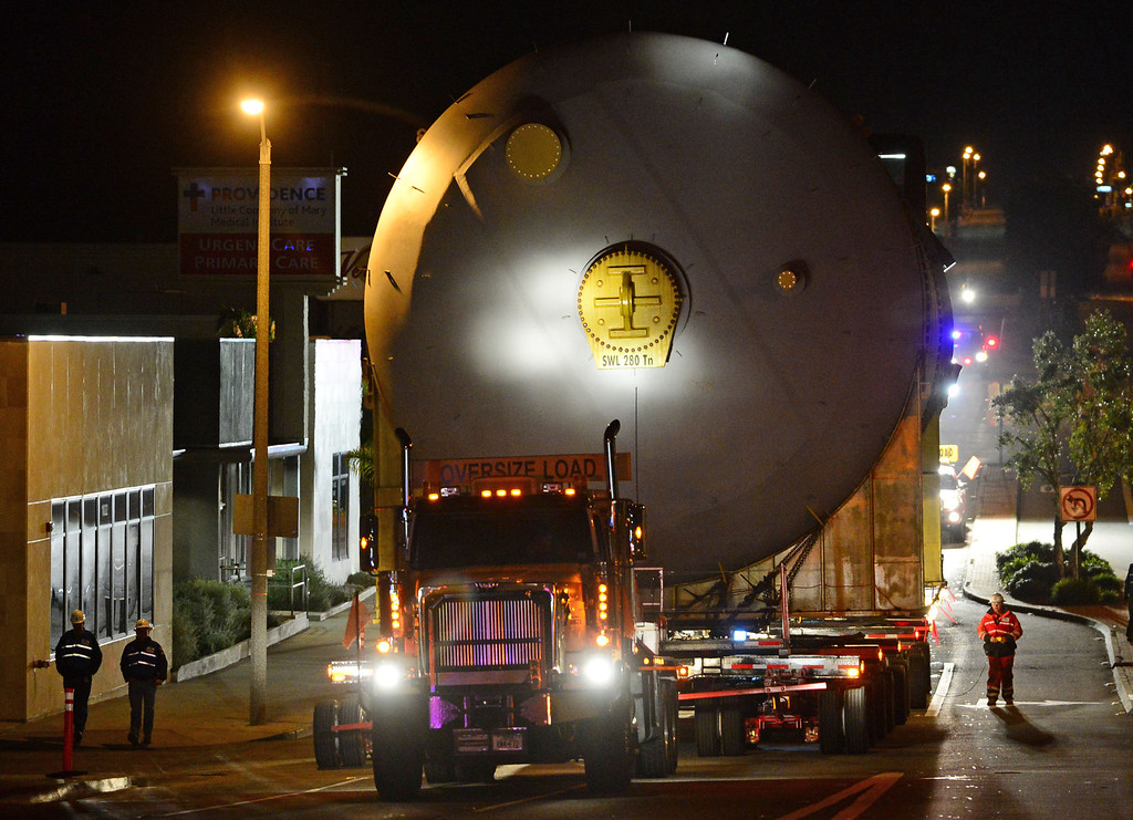 . Two huge 500,000 pound coke drums units were transported from King Harbor in Redondo Beach to Chevron refinery in El Segundo Wednesday and early Thursday morning, forcing the closure of Sepulveda Blvd.  The second drum makes its way up one of many rolling hills on Sepulveda Blvd through Manhattan Beach. 20130221 Photo by Steve McCrank / Staff Photographer