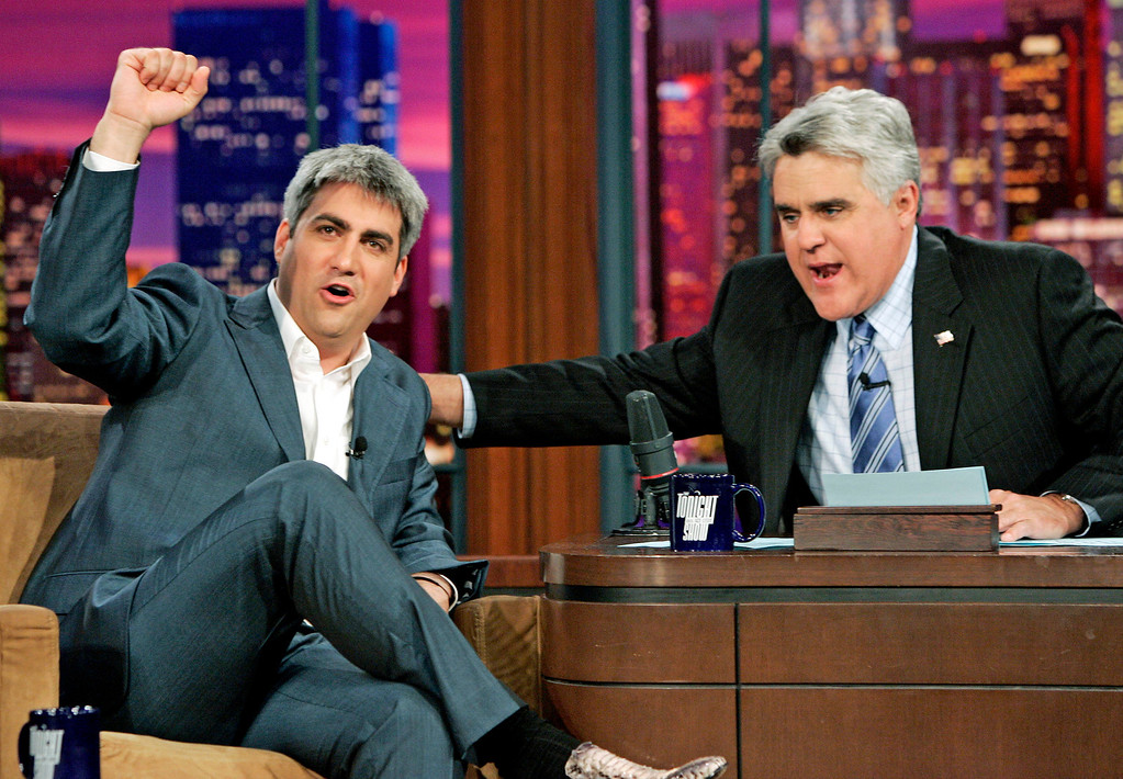 """. New American Idol Taylor Hicks, from Birmingham, Ala., left, reacts as he is congratulated by Jay Leno host of the \""""Tonight Show with Jay Leno\"""" at NBC Studios in Burbank, Calif., Thursday, May 25, 2006.  (AP Photo/Kevork Djansezian)"""