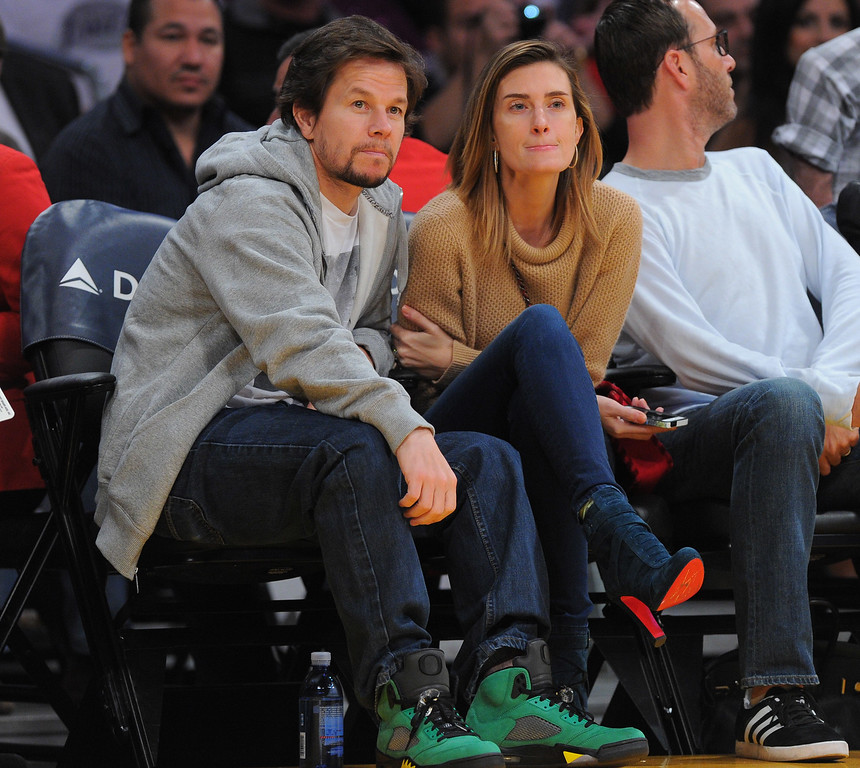 . Actor Mark Wahlberg and his wife Rhea Durham sit courtside at the Lakers/Nuggets game at the Staple Center in Los Angeles, CA on Sunday, January 5, 2014. 1st half.  (Photo by Scott Varley, Daily Breeze)