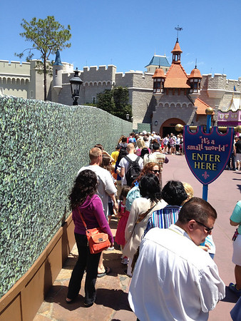 """it's a small world"" Queue - Magic Kingdom"