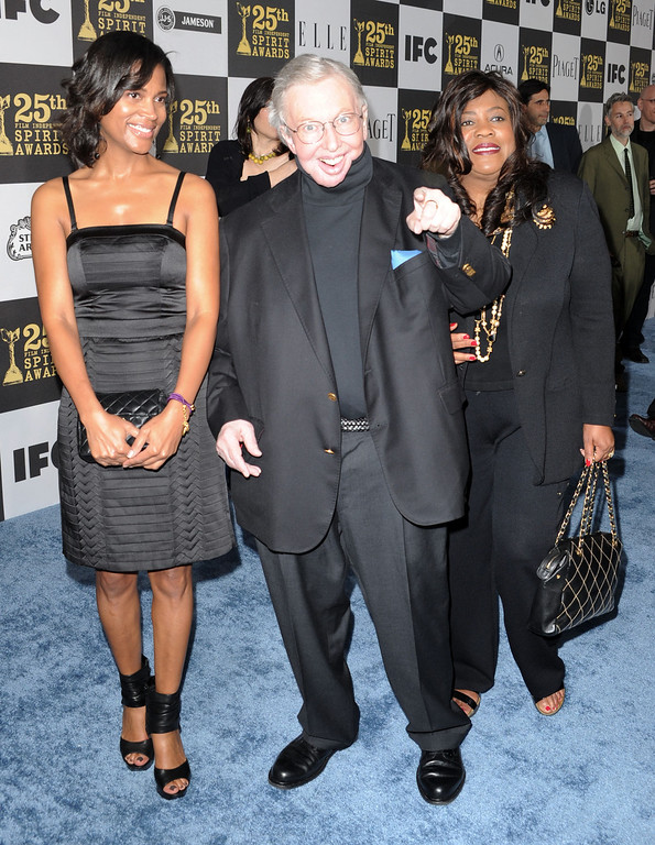 . LOS ANGELES, CA - MARCH 05:  Film critic Roger Ebert (C) with stepdaughter Sonia and wife Chaz arrives at the 25th Film Independent\'s Spirit Awards held at Nokia Event Deck at L.A. Live on March 5, 2010 in Los Angeles, California.  (Photo by Frazer Harrison/Getty Images)