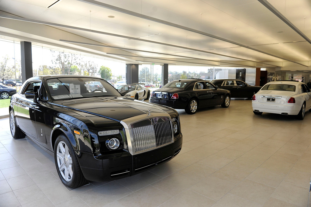 . Rolls-Royce vehicles at O\'Gara Coach Westlake in Thousand Oaks Wednesday, April 3, 2013. (Hans Gutknecht/Los Angeles Daily News)