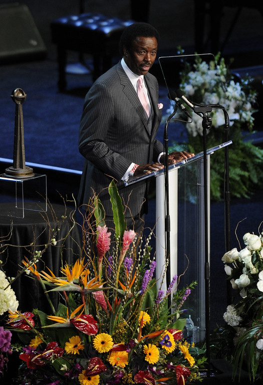 . Sportscaster Jim Hill speaks at the service.  Family, friends current and former Lakers players and coaches attended a memorial service at the Nokia Theatre for Laker owner Jerry Buss who passed away on Monday, 2/18/2013 as a result of cancer. Los Angeles, CA 2/21/2013 John McCoy/Staff Photographer