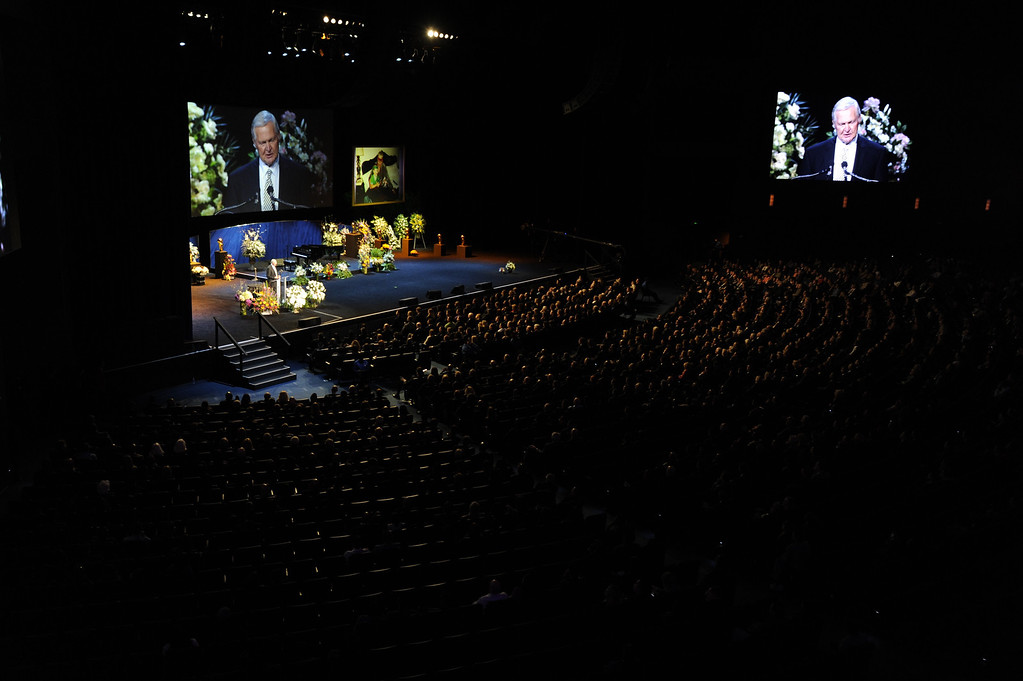 . Jerry West speaks to the audience.  Family, friends current and former Lakers players and coaches attended a memorial service at the Nokia Theatre for Laker owner Jerry Buss who passed away on Monday, 2/18/2013 as a result of cancer. Los Angeles, CA 2/21/2013 John McCoy/Staff Photographer