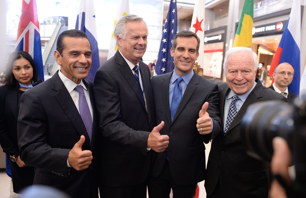. At LAX, dignitaries gathered to open the new Tom Bradley International Terminal. L to R: Former Mayors Antonio Villaraigosa and James Hahn with Mayor Eric Garcetti and former Mayor Dick Riordan. (Wed. Sept 18, 2013 Photo by Brad Graverson/The Daily Breeze