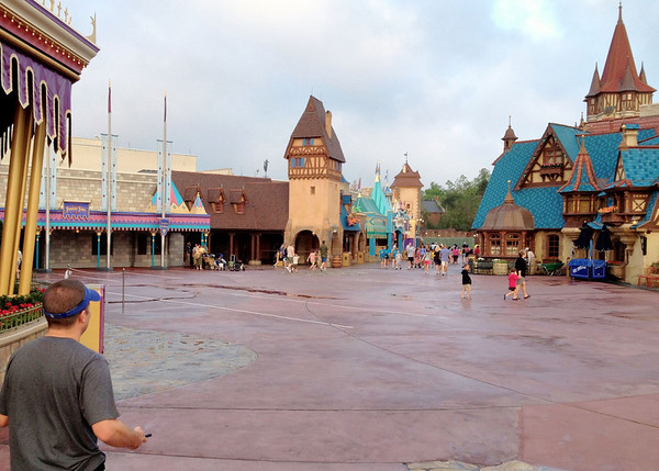 Magic Kingdom - Empty Fantasyland!