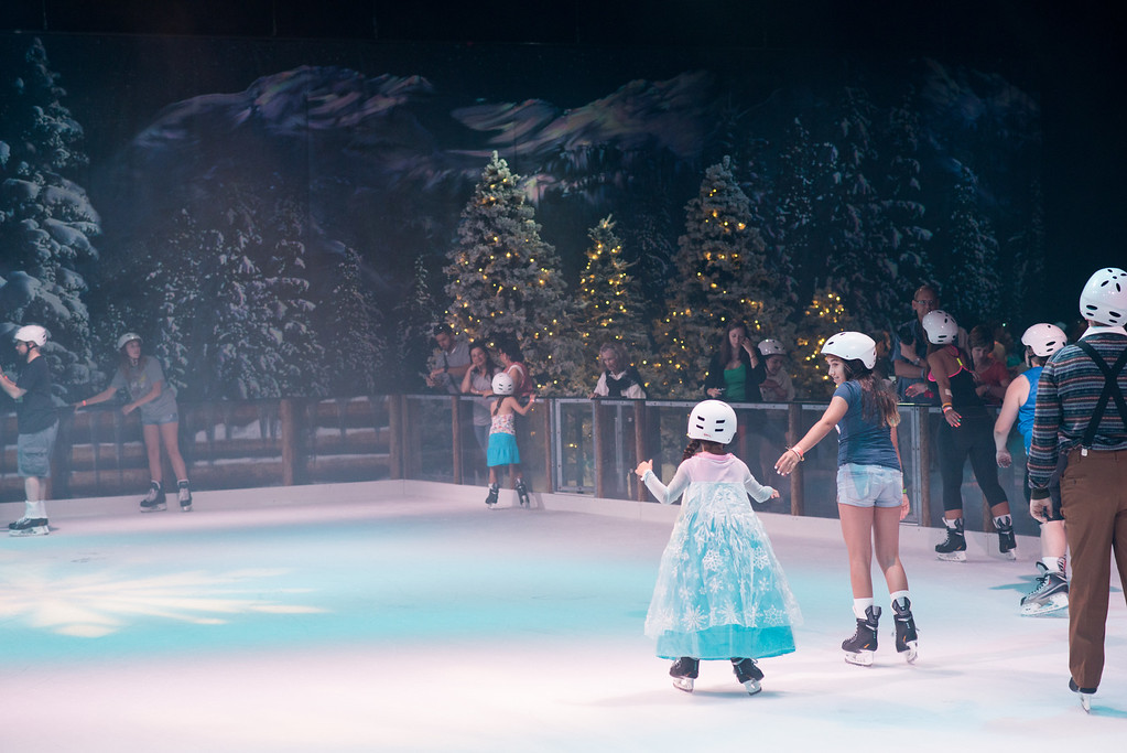 Disney's Hollywood Studios - Frozen Summer Fun - Wandering Oaken's Frozen Funland Ice Skating