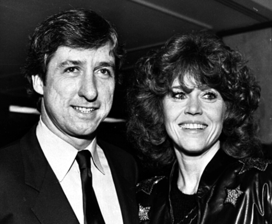 . Tom Hayden, left, stands with his wife Jane Fonda as they attend a $200-a-plate dinner Feb. 15, 1982 in Los Angeles, Calif.,  where he announced his campaign for a seat in the Califonia Legislature.  Hayden was elected to the Assembly in 1982 for five terms.  In 1992, he was elected to the Senate.  (AP Photo/Cyrene Chang)