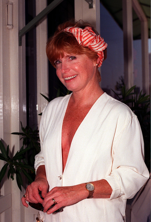 . Actress Bonnie Franklin poses during an interview  in Los Angeles, Calif., in July, 1989.  (AP Photo/Kevork Djansezian)