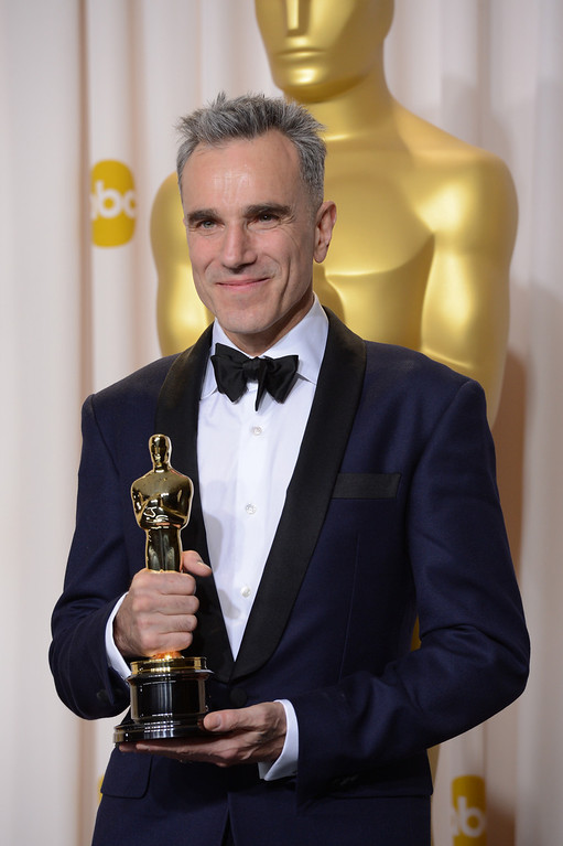 ". Daniel Day-Lewis won the award for best actor in a leading role for ""Lincoln\""backstage at the 85th Academy Awards at the Dolby Theatre in Los Angeles, California on Sunday Feb. 24, 2013 ( David Crane, staff photographer)"