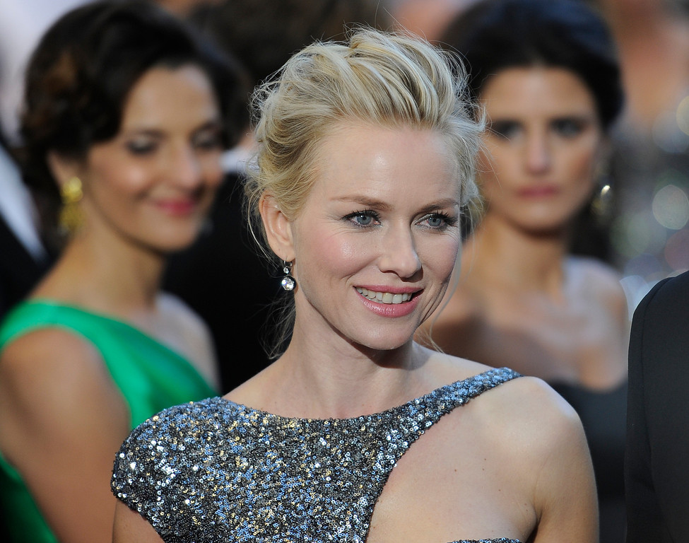 . Naomi Watts arrives at the 85th Academy Awards at the Dolby Theatre in Los Angeles, California on Sunday Feb. 24, 2013 ( Hans Gutknecht, staff photographer)