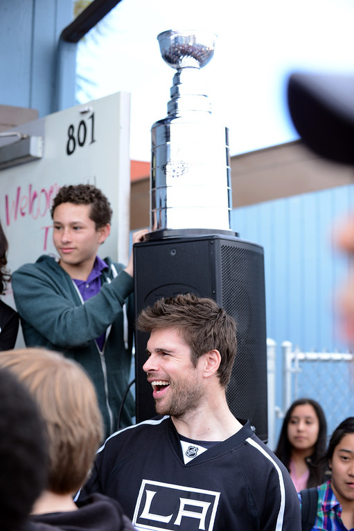 . LA Kings player Willie Mitchell #33 at DaVinci High School in Hawthorne where everyone learned about geometry and how it plays into the game of hockey.   Photo by Brad Graverson 3-8-13