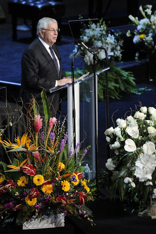 . Commisioner of the NBA David Stern speaks during the service.  Family, friends current and former Lakers players and coaches attended a memorial service at the Nokia Theatre for Laker owner Jerry Buss who passed away on Monday, 2/18/2013 as a result of cancer. Los Angeles, CA 2/21/2013 John McCoy/Staff Photographer