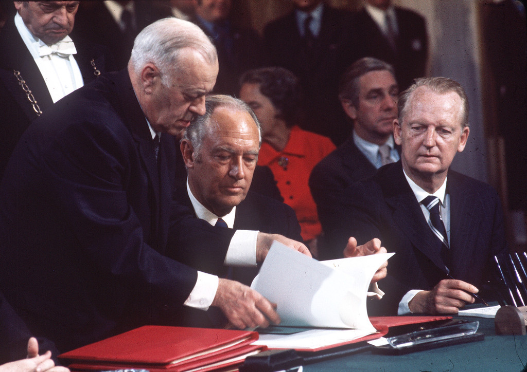 . The head of American delegation, State Secretary William Rogers is given documents to sign the first act of cease fire agreement during the international peace conference on Vietnam, 27 January 1973 in Paris, the final act will be signed the 02 March.        (Photo credit should read STAFF/AFP/Getty Images)