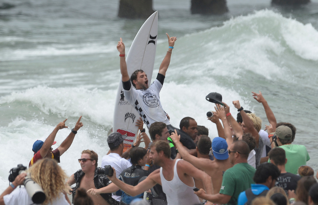 . Brazil\'s Alejo Muniz   took the top mens surf title on the last day of competition during the 2013 Vans US Open of Surfing Sunday at Huntington Beach CA. July 27,2013. Photo by Gene Blevins/LA DailyNews