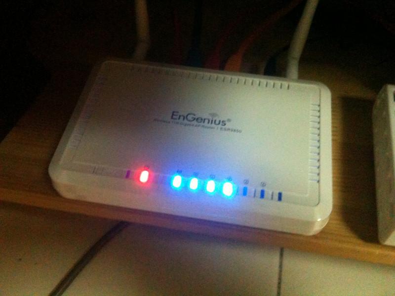 EnGenius ESR9850 Wireless N Router Unboxing
