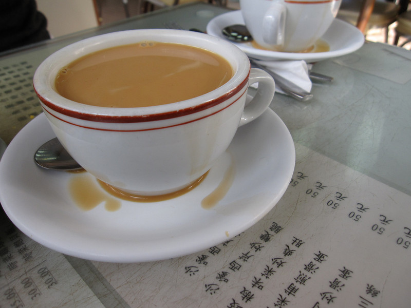 Mido Cafe Temple Street 菠蘿包 and Yuan Yang