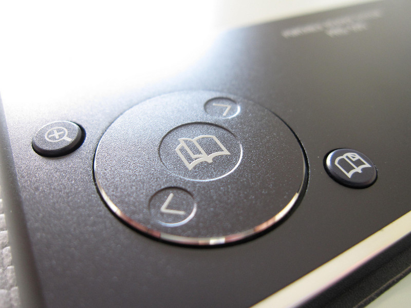 Sony PRS505 Ebook Reader Close Up 2