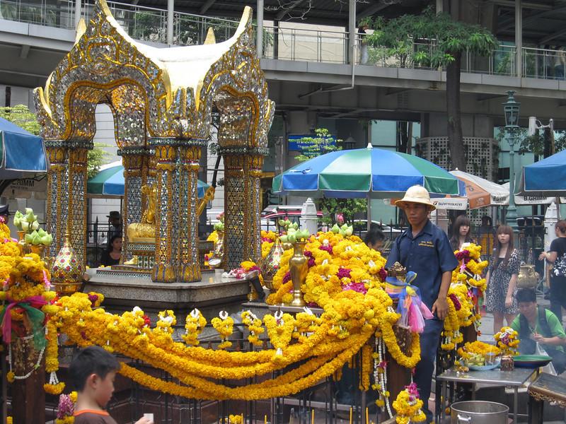 Erawan Shrine Bangkok 2009