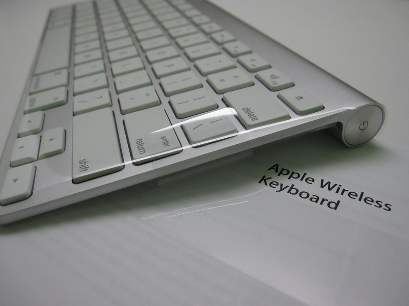 Apple Wireless Keyboard 2009